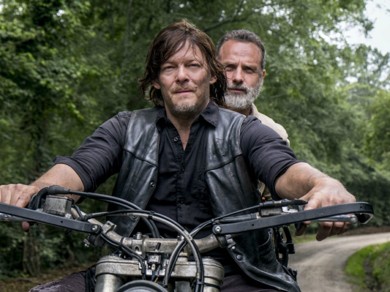 the-walking-dead-episode-904-daryl-reedus-rick-lincoln-bike-1200×707