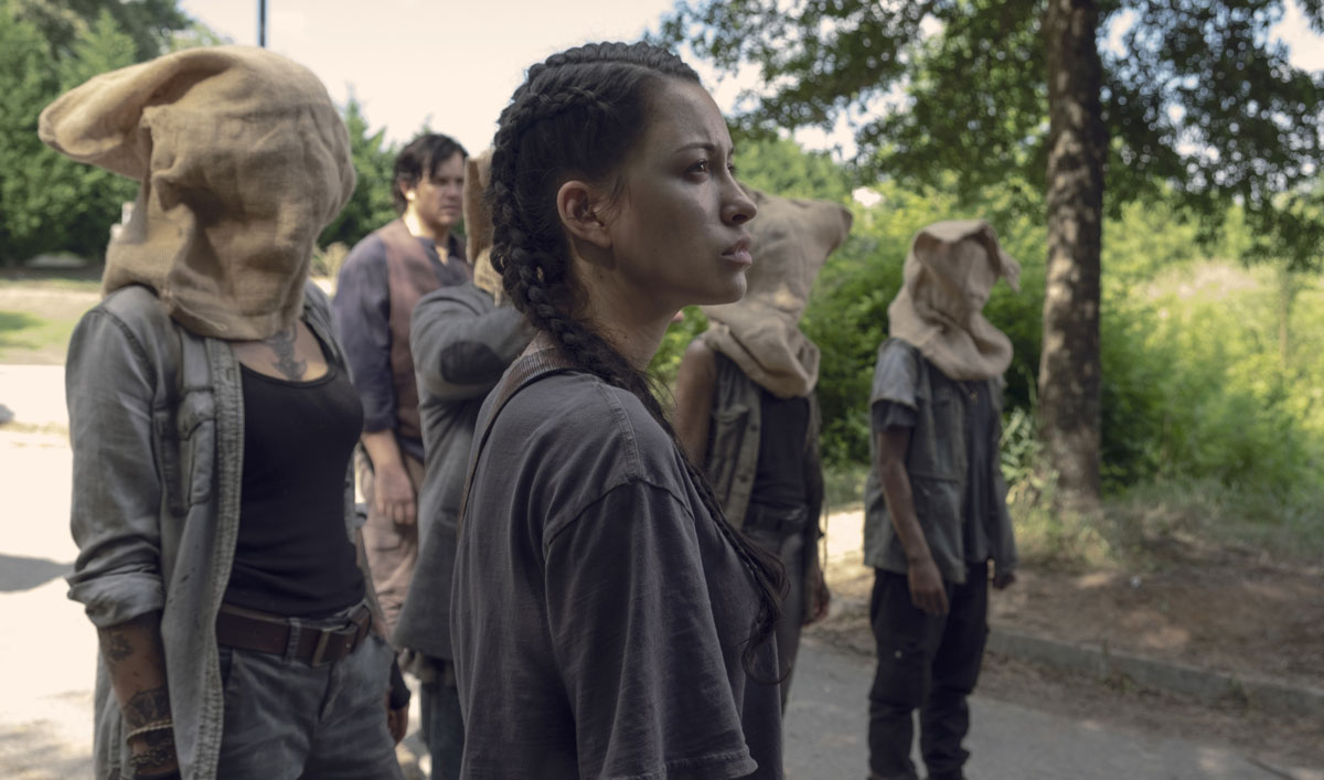 Sneak Peek of <em>The Walking Dead</em> Episode 6 — The Group Disagrees Over Potential New Members