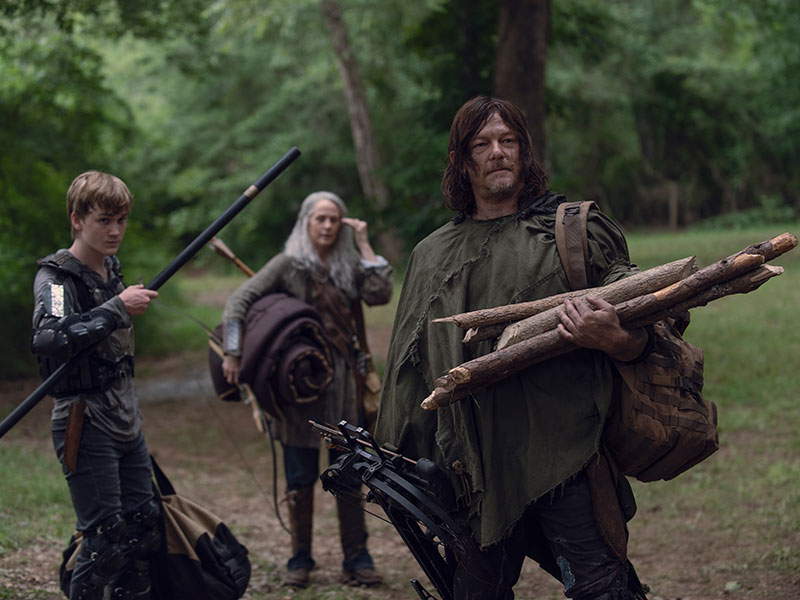 the-walking-dead-episode-907-daryl-reedus-carol-mcbride-800×600-inside