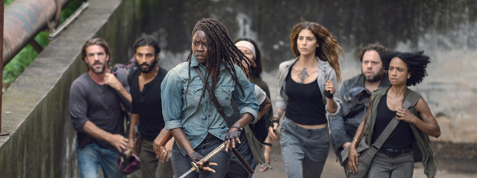 the-walking-dead-episode-907-michonne-gurira-post-800×600