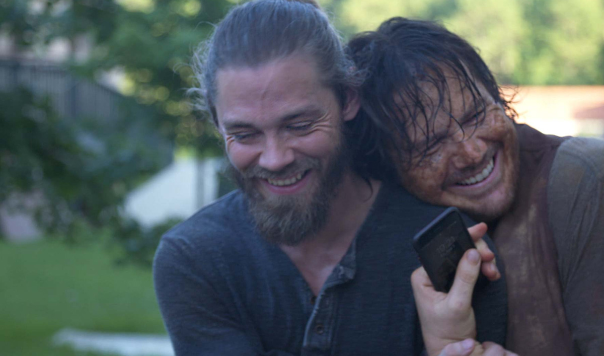 Go on Set For Tom Payne's Final Fight Sequence in <em>The Walking Dead</em> Mid-Season Finale