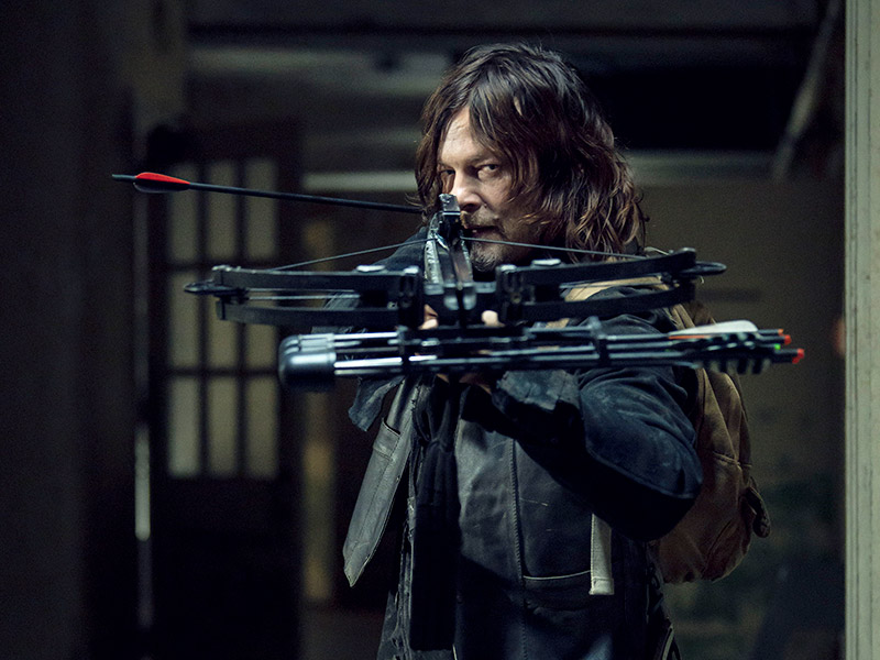 the-walking-dead-episode-914-daryl-reedus-800×600-inside