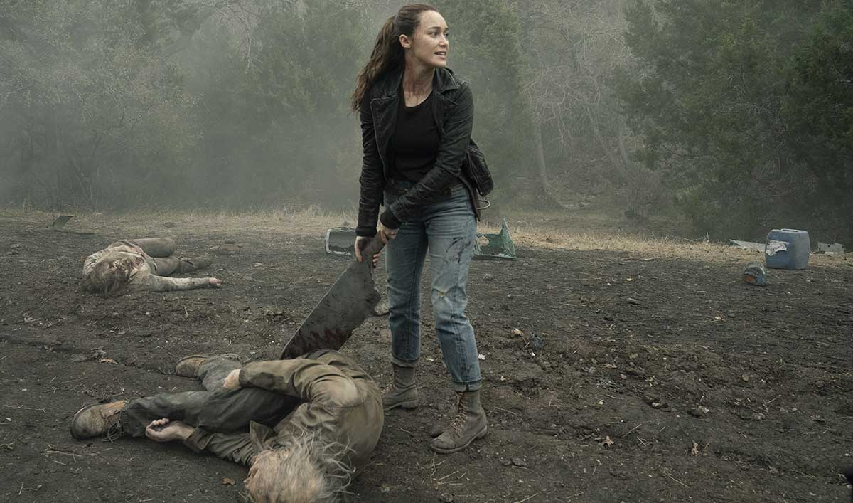 See Why Alicia Takes the Prize for the Best Walker Kill in the <em>Fear the Walking Dead</em> Season 5 Premiere