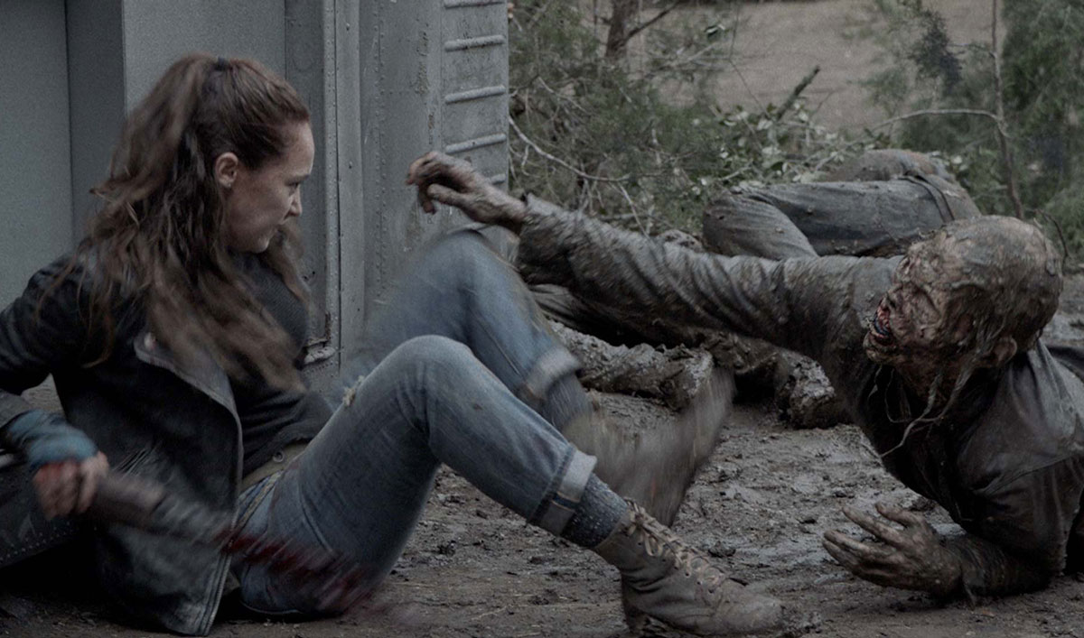 See Alicia Fight for Her Life to Avoid a Radiation-Exposed Walker in <em>Fear the Walking Dead</em> Episode 2
