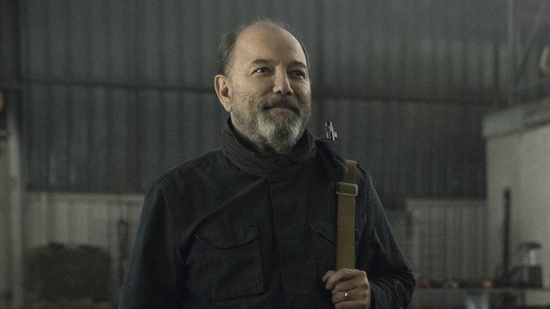<em>Fear the Walking Dead</em> Showrunners Talk Salazar & Strand With <em>EW</em>; <em>Uproxx</em> Laments Loss of Morgan's Weapon