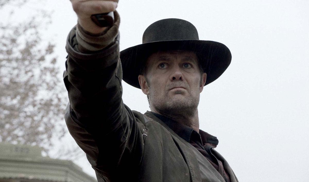 Watch John Dorie Take Out Two Walkers at Once in the <em>Fear the Walking Dead</em> Walker Kill of the Week