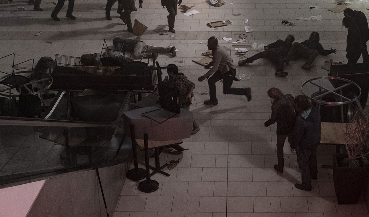An Escalator Full of Walkers Takes This Week's Best Walker Kill From <em>Fear the Walking Dead</em>