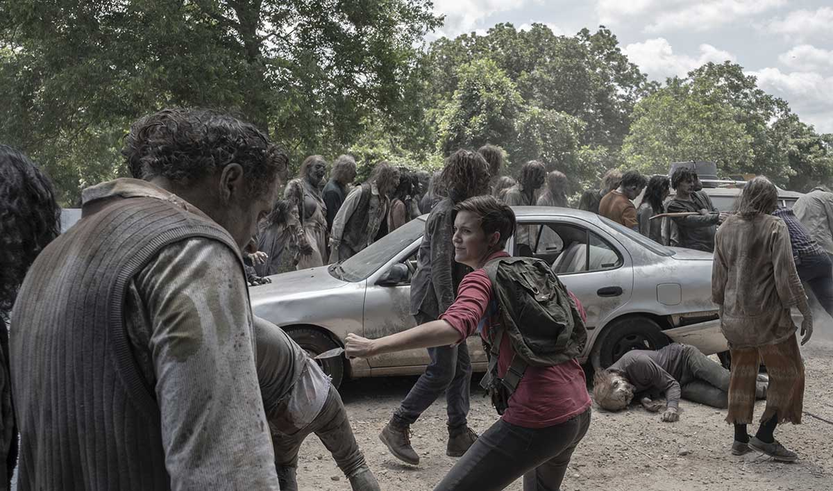 Watch the Group Battle a Horde to Cross a Faulty Bridge in <em>Fear the Walking Dead</em> Episode 15