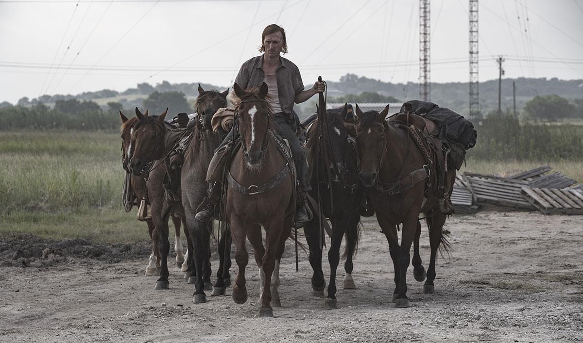 <em>Screen Rant</em> Hails <em>Fear the Walking Dead</em> Season 5 Ending; <em>THR</em> Interviews Karen David (Grace)