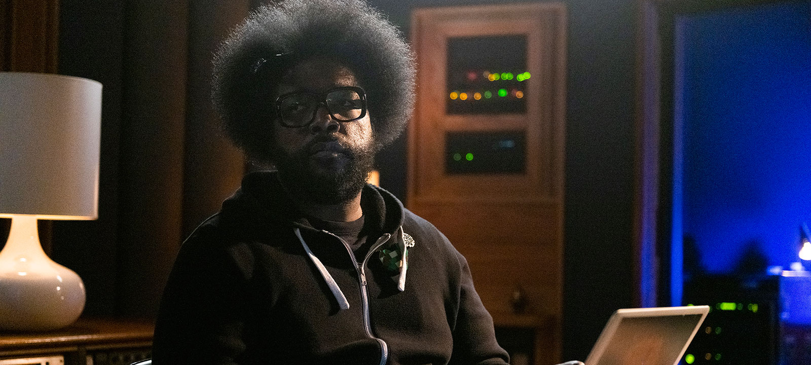 hip-hop-songs-that-shook-america-S1-questlove-computer-800×600