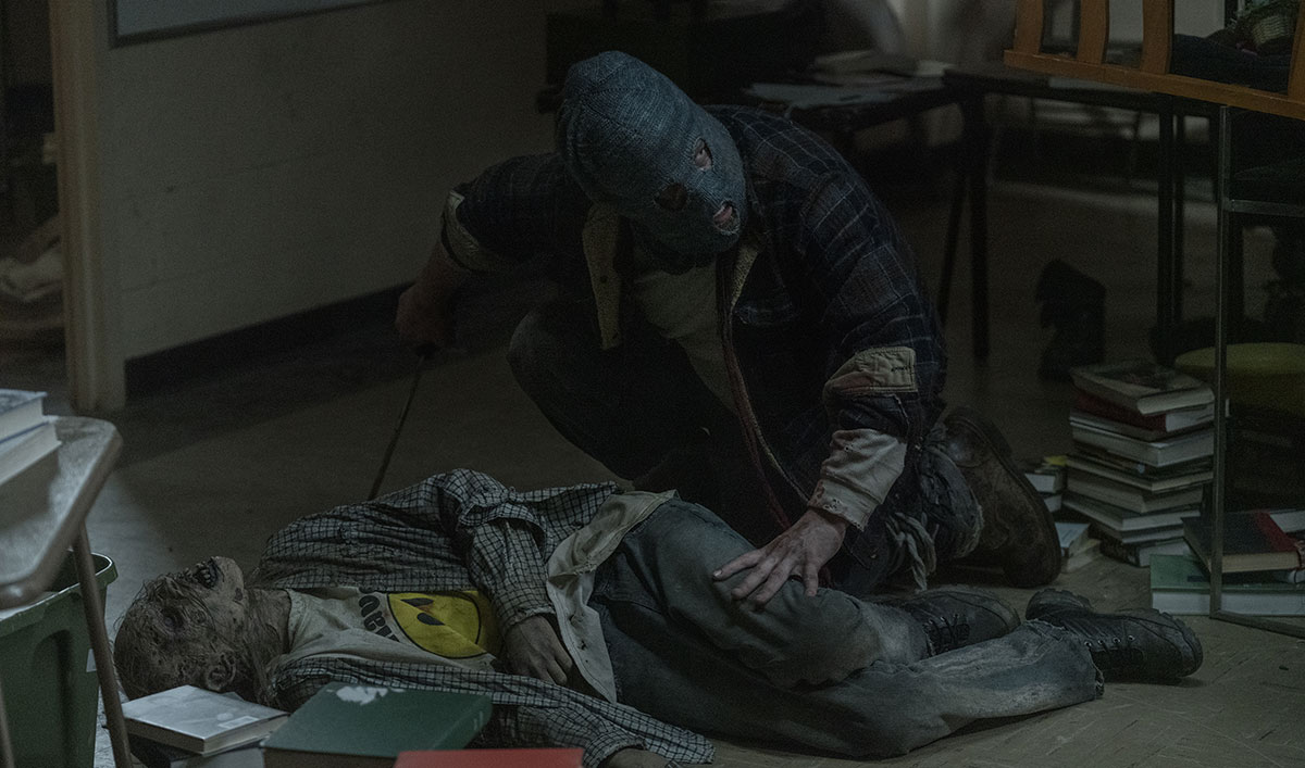 Learn the Story Behind Beta's Mask in This Scene From <em>The Walking Dead</em> Episode 2