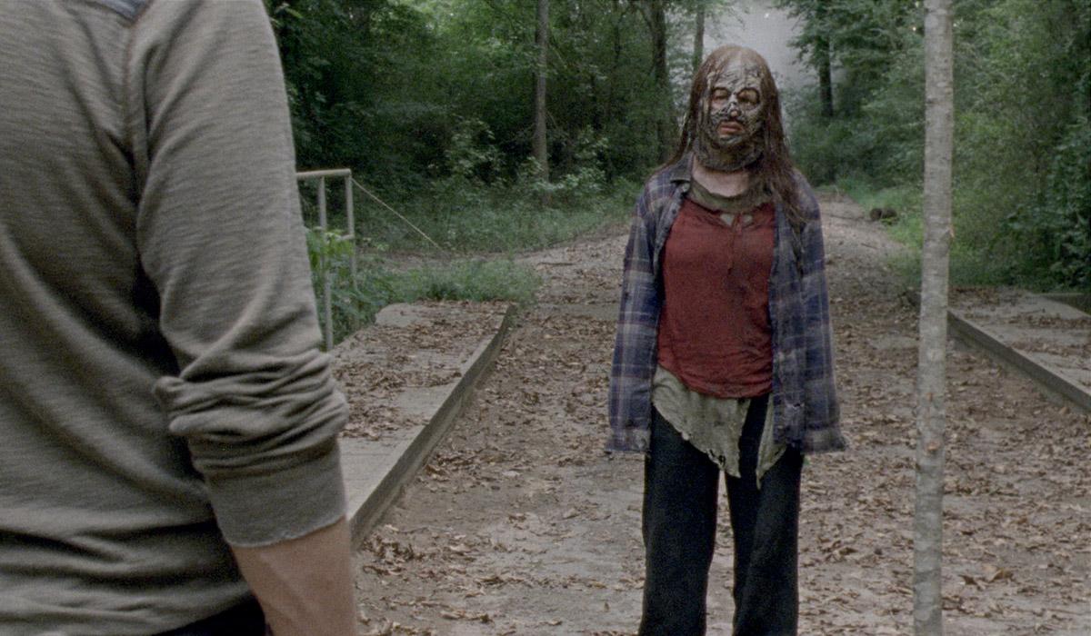 Sneak Peek of <em>The Walking Dead</em> Season 10 Mid-Season Finale: Is Gamma Ready to Betray Alpha?