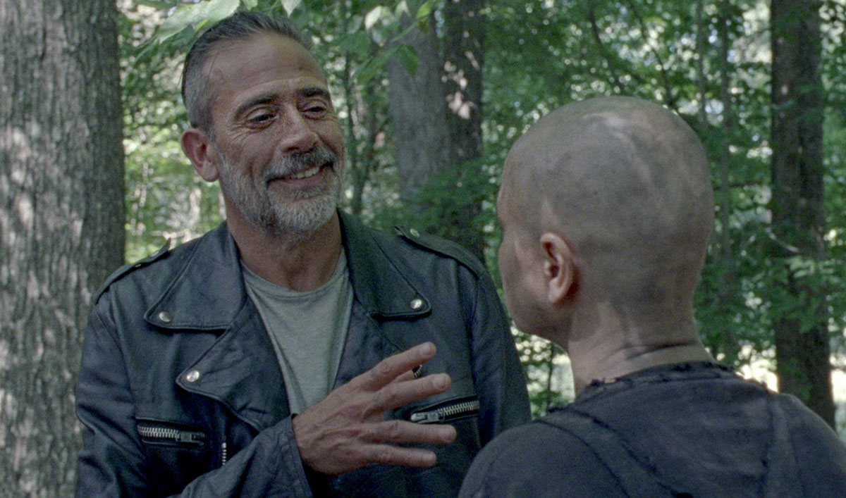 Sneak Peek of <em>The Walking Dead</em> Season 10 Mid-Season Premiere: Alpha and Negan United!