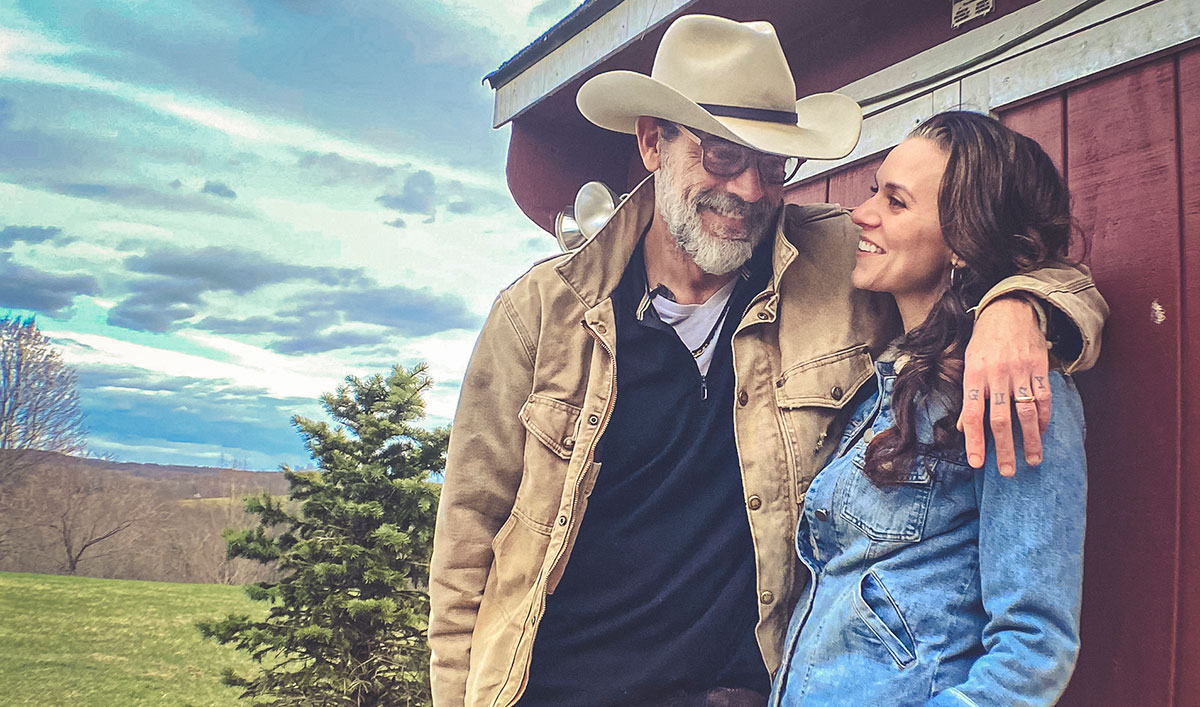AMC Launches Weekly Series <em>Friday Night In With the Morgans</em> Hosted by Jeffrey Dean Morgan and Hilarie Burton Morgan
