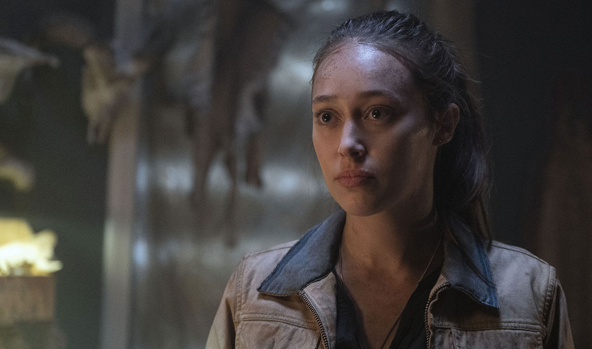 <em>Fear the Walking Dead</em> Q&A – Alycia Debnam-Carey on Why Alicia Chooses to Go With Morgan Over Buying Her Freedom