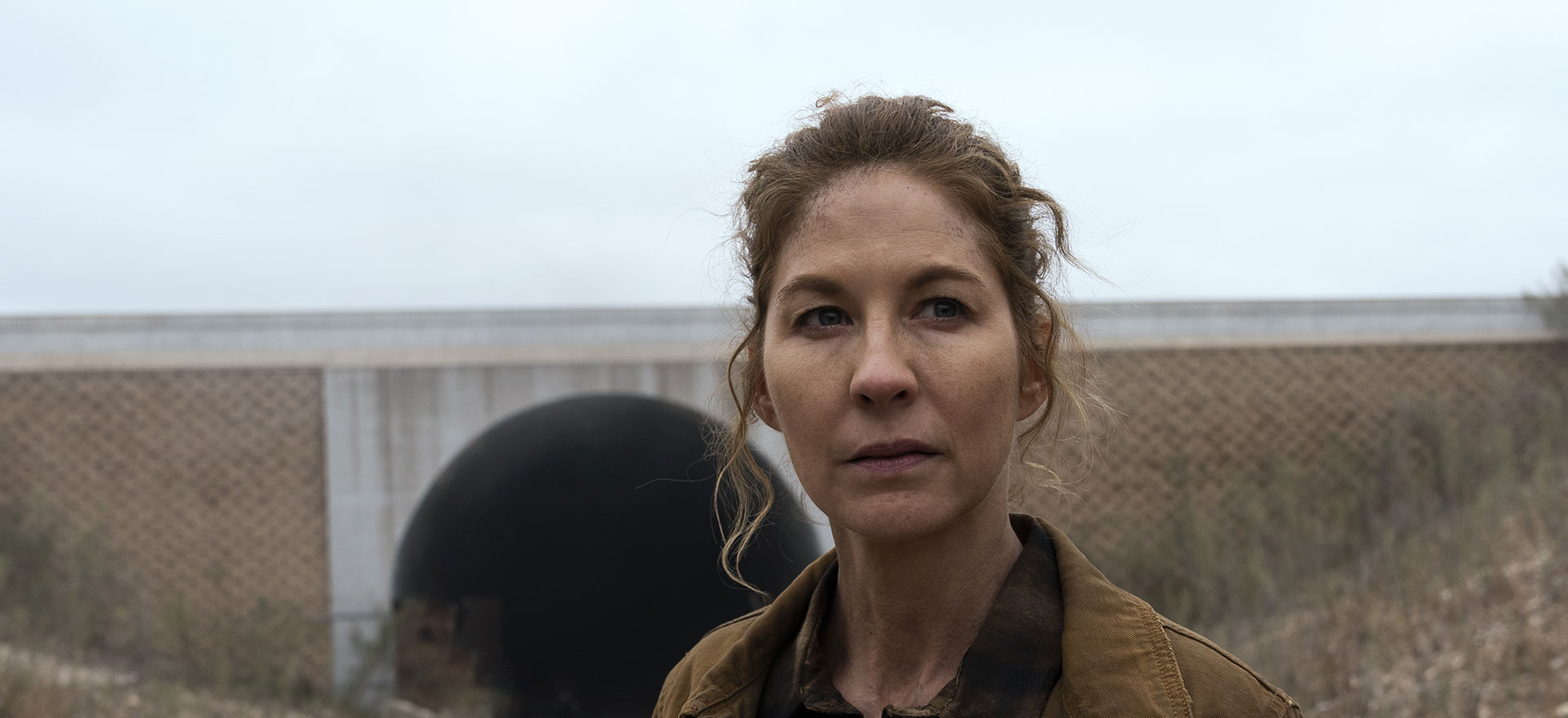 Fear the Walking Dead's Jenna Elfman Joins Make This Movie to Create a Brand New Zombie Flick