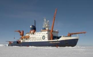 icebreaker 320.jpg