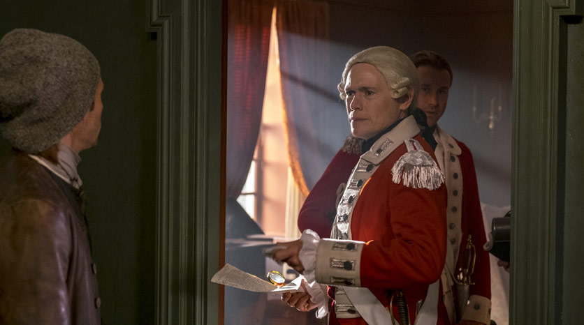 Abe Woodhull (Jamie Bell) y Major Hewlett (Burn Gorman) en Episodio 1 Foto de Antony Platt/AMC