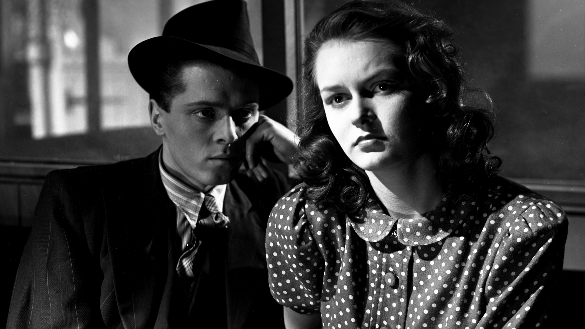 Richard Attenborough and Hermione Baddeley in 'Brighton Rock' (Photo: Charter Film Productions)