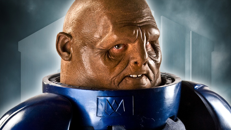 Commander Strax (Dan Starkey)