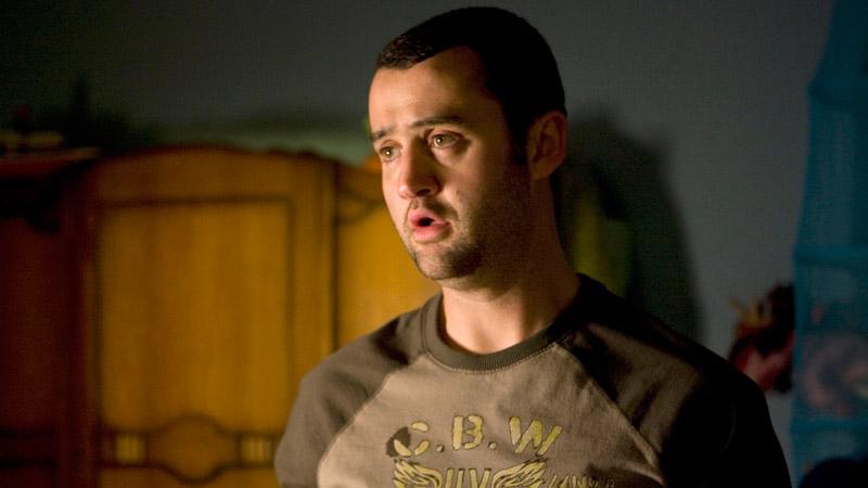 Alex (Daniel Mays)