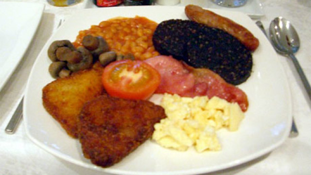 A full English breakfast (or 'fry-up')