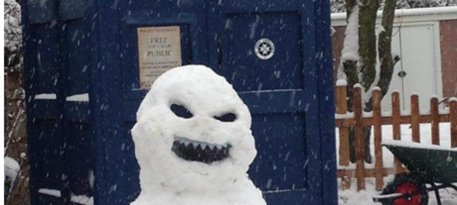 Snowman Police Box, 460×300