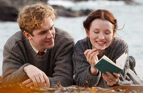 Dan Stevens and Emily Browning in 'Summer in February.' (Photo: Handout)