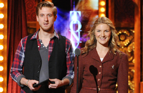 'Once' stars Arthur Darvill (left) and Anne Christie presenting at the 67th Annual Tony Awards on June 9, 2013. (Photo: Evan Agostini/Invision/AP)