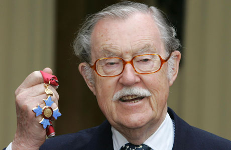 Alan Whicker gets his MBE  in 2005 (AP Images)