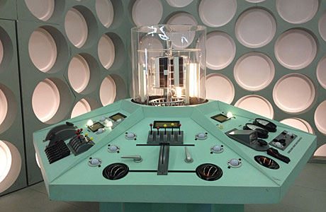 The TARDIS console (All pics courtesy of Blogtor Who)