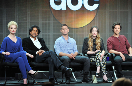 From left to right: Emma Rigby, Naveen Andrews, Michael Socha, Sophie Lowe and Peter Gadiot from 'Once Upon a Time in Wonderland' (Photo: Vince Bucci/Invision/AP)