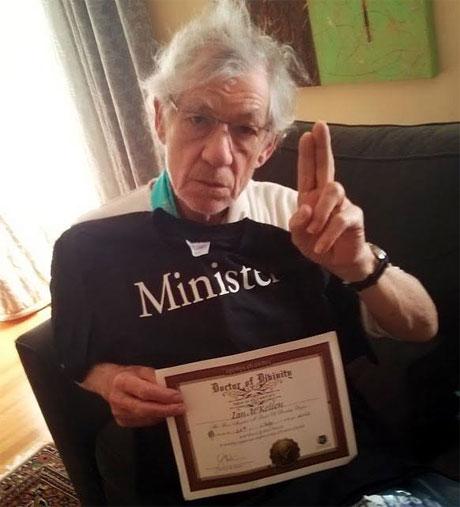 Sir Ian McKellen, minister