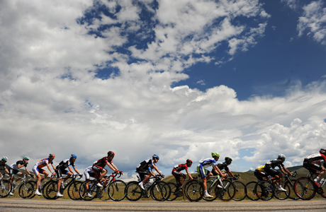 Americans are always looking at the Big Sky. (Photo: AP/The Denver Post, Helen H. Richardson)