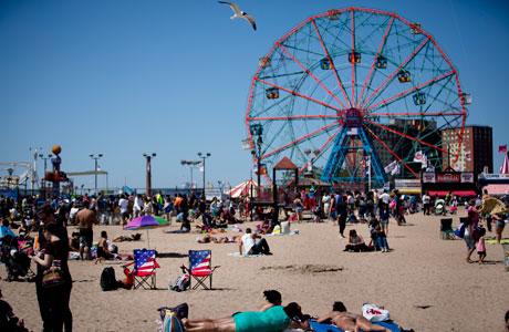 Coney Island. (Photo: AP/John Minchillo)