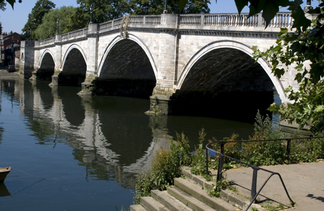 A foot bridge over the Thames in Richmond, Surrey, England(AP/Ethel Davies/Robert Harding)