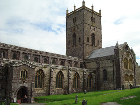 St. David's Cathedral in Pembrokeshire, Wales. (WIKI)