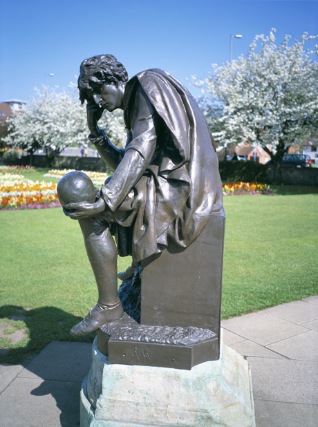 Statue of Hamlet, Shakespeare Memorial, Stratford upon Avon, War (David Hunter/Robert Harding /AP Images)