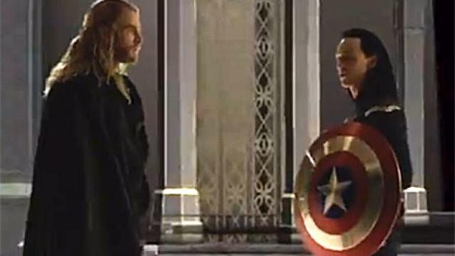 Chris Hemsworth and Tom Hiddleston in 'Thor: The Dark World'