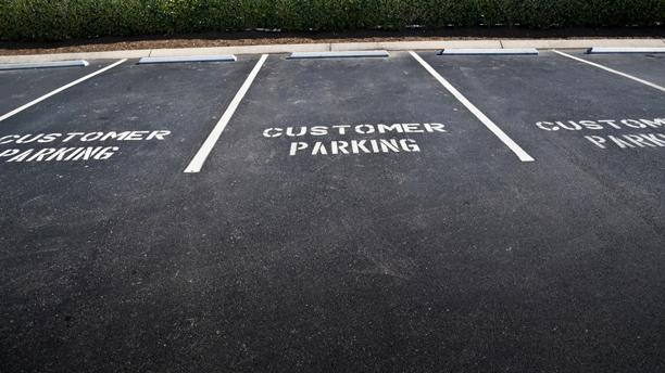 Parking lot or car park? (Photo: Fotolia)
