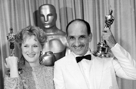 Meryl Streep and Ben Kingsley, named best actress and best actor respectively, show off their Oscars backstage at the 55th annual Academy Awards in Los Angeles, Calif., April 12, 1983.  (AP Photo)