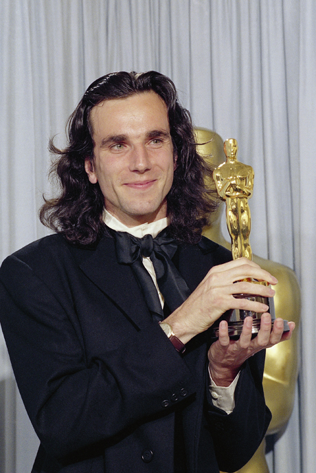 "Actor Daniel Day Lewis holds his Oscar for best actor for his performance in ""My Left Foot"" at 62nd Annual Academy Awards in Los Angeles Monday night, March 27, 1990. (AP Photo/Douglas C. Pizac) 1990, My Left Foot"