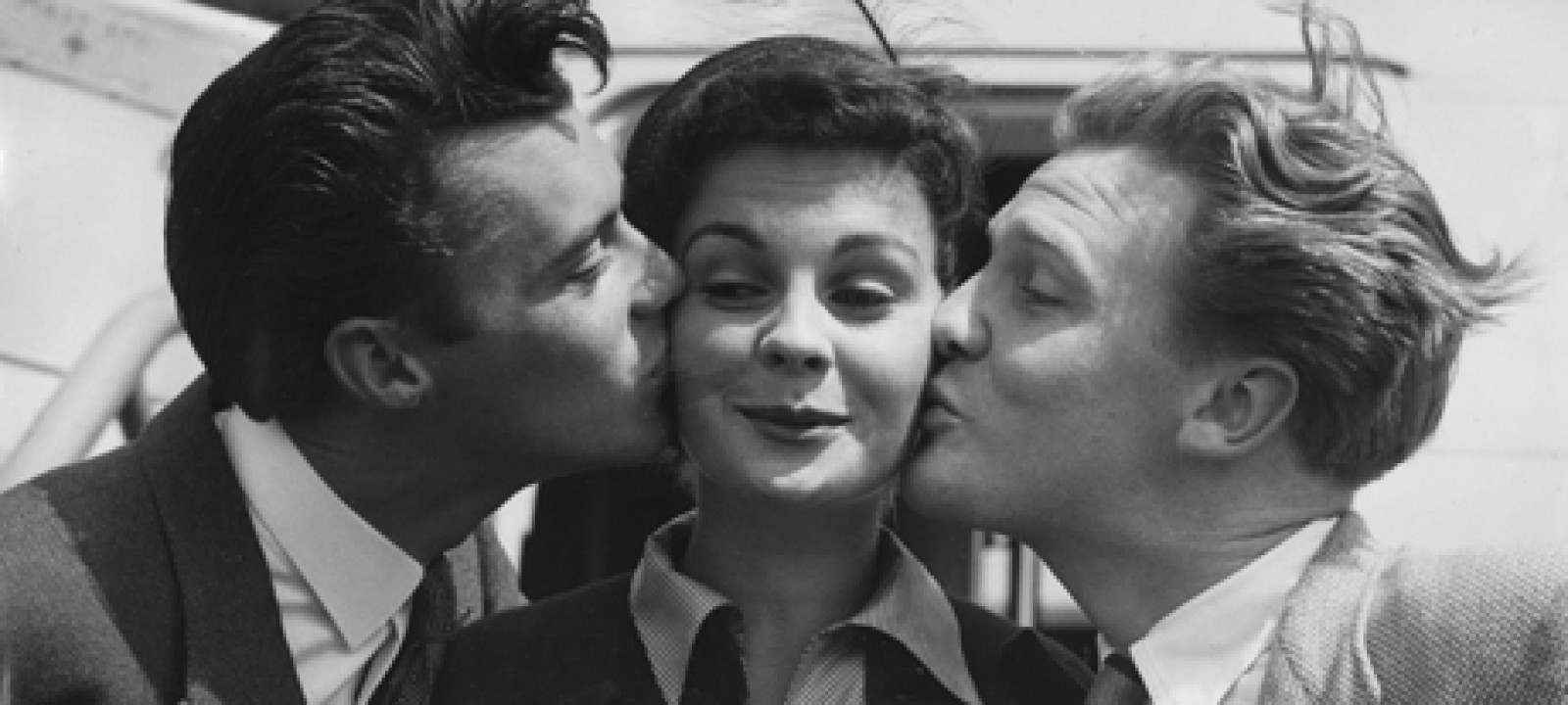 England Jean Simmons is Kissed 1949