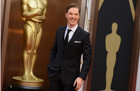 Benedict Cumberbatch arrives at the Oscars.  (Photo by Jordan Strauss/Invision/AP)