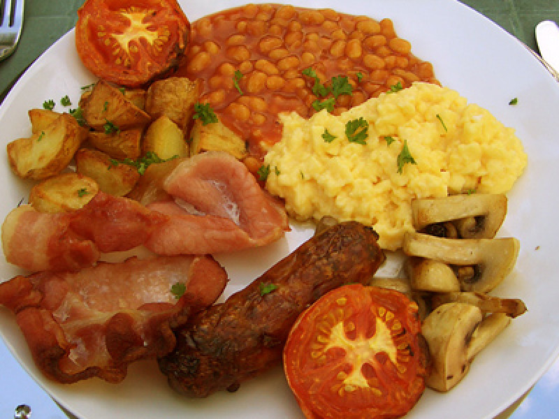 Snapshot: 12 Photos of Traditional British Food Dishes ...