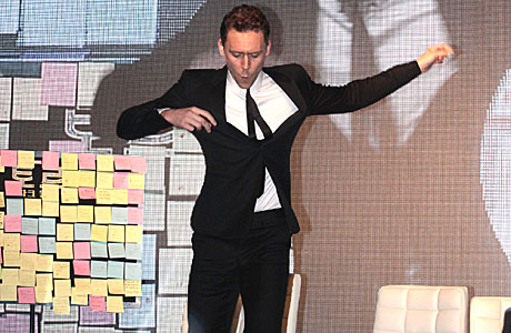 Tom Hiddleston struts his stuff in South Korea (AP Photo/Ahn Young-joon)