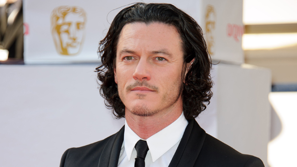 Luke Evans arriving on the red carpet st the British Academy Television Awards. (Photo: Jonathan Short/Invision/AP)