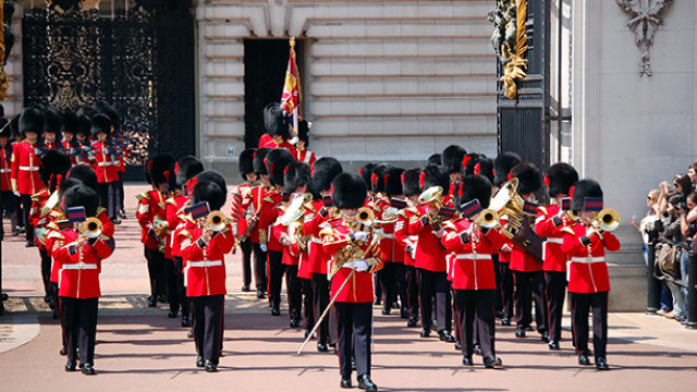 Impressions of London – Changing the Guards