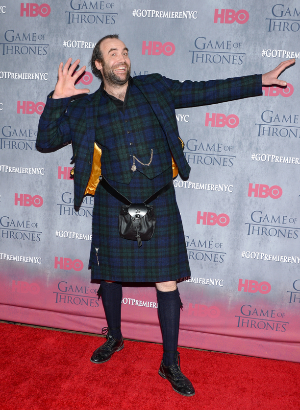 Wearing a kilt puts The Hound (Rory McCann) in a great mood. 2014 in New York. (Evan Agostini/Invision/AP)