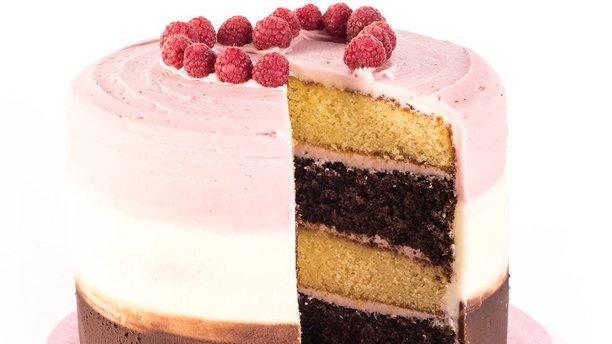 Cocomaya's Neapolitan Cake. (Cocomaya)